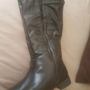 Boots by Avon-New, Cushion Walk